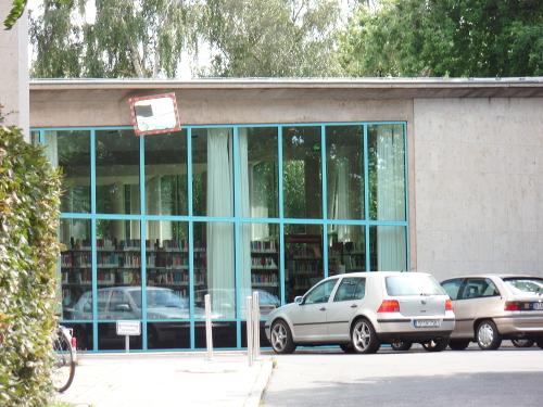 Diese Zukunft war einmal: Ehemals moderne Bibliotheken, heute ...